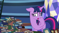 Twilight wiping her tears away S8E24