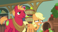 Young Applejack trying to think of something S6E23