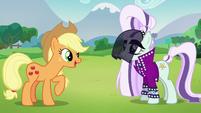 "Applejack ""Howdy, Rara!"" S5E24"
