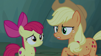 "Applejack ""probably attracted to the food"" S7E16"