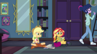 Applejack looking frustrated at Sunset Shimmer EGDS6