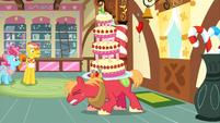 Big McIntosh carrying the cake S2E24
