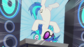 DJ Pon-3 spins on turntable on her head S5E9.png