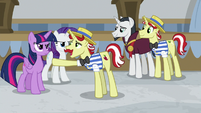 "Flam ""let's show the princess"" S8E16"