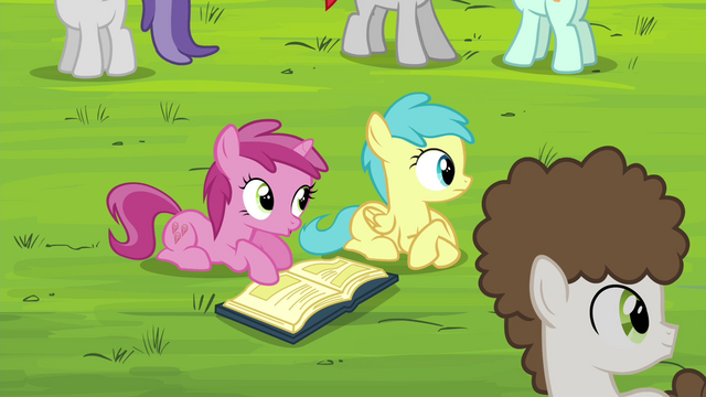 File:Foals hear Diamond Tiara S4E15.png
