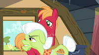"Granny Smith ""Gotta find that ribbon!"" S5E17"