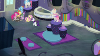 Mane Six all alone in Rarity For You S8E4