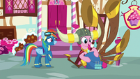 "Pinkie ""talk about my yovidaphone playing"" S8E18"