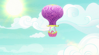 Pinkie and Gummy riding the Twinkling Balloon S7E11