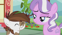 Pipsqueak gives Diamond a big grin S5E18