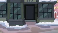 Snowfall closes the door S06E08