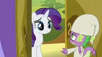 Spike opens the castle doors for Rarity S9E19