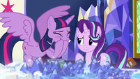 Twilight Sparkle giggling excitedly S7E25