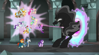 Twilight struggles with the Pony of Shadows S7E26