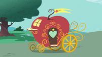 Apple Carriage S1E26