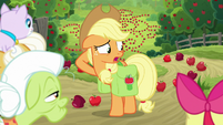"Applejack ""can't think of anything else"" S9E10"