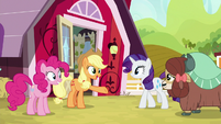 Applejack welcomes Yona to the farm S9E7
