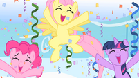 Cheering ponies S1E16