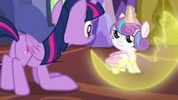 Flurry Heart dispersing her magic barrier S7E3