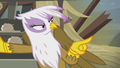 Gilda points her finger S5E8.png