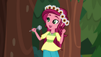 Gloriosa welcomes campers to Camp Everfree EG4