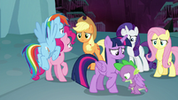 Mane Seven realize they're trapped S8E25