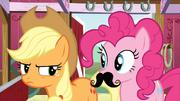 Pinkie Pie bigode T03E09