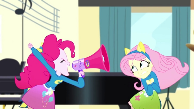 File:Pinkie Pie shouting very loudly SS4.png