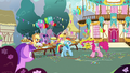Pinkie Pie yelling at Rainbow Dash S7E23.png