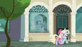 Rarity enters the window display room S6E9.png