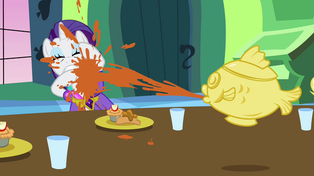 Файл:Rarity sprayed with soup S03E10.png