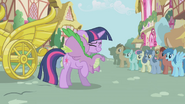 S01E02 Spike przytula Twilight