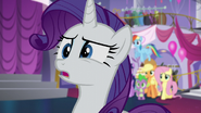 S05E14 Rarity jest zaskoczona