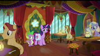 Twilight and Spike at The Tasty Treat S9E5