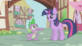 Twilight with an awkward smile S1E6.png
