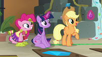 "Applejack ""does anypony need a purple jewel"" S7E2"