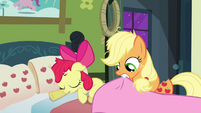 Applejack dragging the blanket to Apple Bloom S3E08