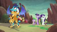 Ember, Spike, Twilight, and Rarity hear dragon's grunt S6E5