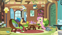 Fluttershy offers Discord carrot-ginger sandwiches S7E12