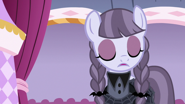 File:Inky Rose shakes her head with disapproval S7E9.png