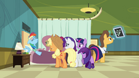 Rainbow Dash in hospital S2E16
