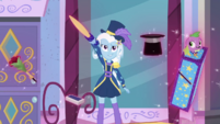 Spike floats away as Trixie Lulamoon flaunts EGDS31