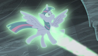 Twilight caught by magic stasis S5E1
