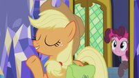 Applejack -it can't be how Pinkie's does it- S5E20