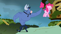Iron Will Pinkie walking on air S2E19.png