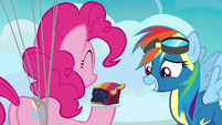 Pinkie giving Rainbow Dash a slice of pie S7E23
