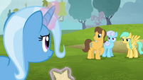 Ponies glaring at Trixie S6E6
