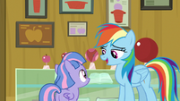 """Rainbow """"harder to play with apples"""" S9E6"""