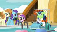 Shining Armor still looking airsick S7E22