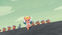 Somnambula galloping to the pyramid S7E18